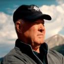 Tom Weiskopf mirando campo de golf de el terrón golf club